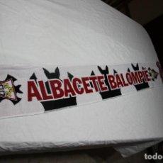 Coleccionismo deportivo: BUFANDA DE FUTBOL DEL ALBACETE BALOMPIE MODELO NUEVO Y MUY COTIZADO . Lote 166739270