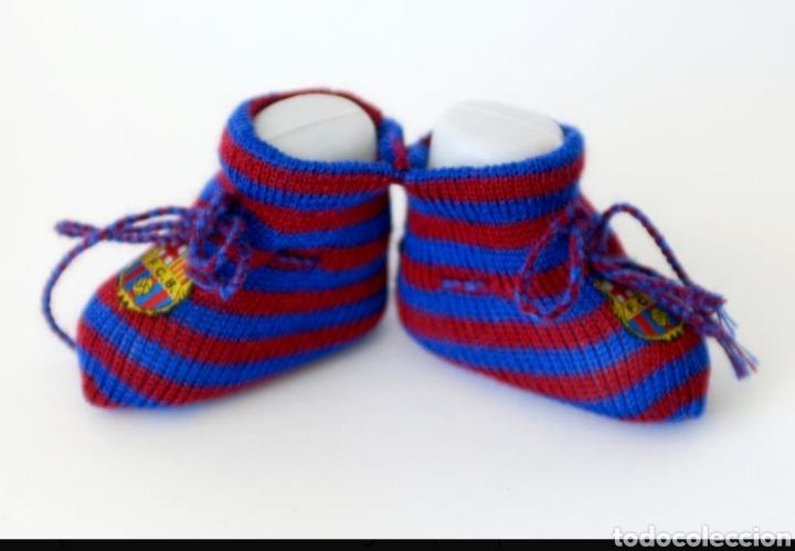 Coleccionismo deportivo: Patucos (peucs o peucos) zapatos bebe recien nacido barça (fcb, barcelona) medias calcetines de hilo - Foto 4 - 131993165