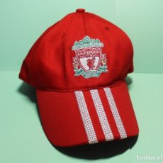 Coleccionismo deportivo: GORRA ORIGINAL Y OFICIAL DEL LIVERPOOL FOOTBALL C. YOU WILL NEVER WALK ALONE. MARCA ADIDAS. FOTOS.. Lote 180259031
