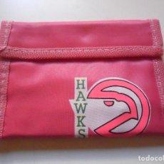 Coleccionismo deportivo: VINTAGE NBA BASKETBALL ATLANTA HAWKS CARTERA BILLETERA AÑOS 80. Lote 193609308