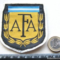 Coleccionismo deportivo: ESCUDO TELA ARGENTINA FEDERACION FUTBOL AFA ANTIGUO LOGO BORDADO PARCHE PATCH R53-R. Lote 193749981