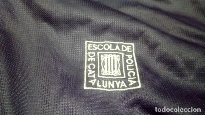 Coleccionismo deportivo: ESCUELA DE POLICÍA DE CATALUÑA. CHÁNDAL (pantalones y chaqueta) EXCLUSIVO EN TC - Foto 11 - 195037643