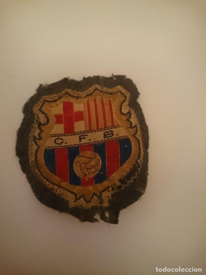 PARCHE PEQUEÑO TELA ESCUDO BARCELONA -ENTRE AÑOS 1949-1960 (Coleccionismo Deportivo - Ropa y Complementos - Complementos deportes)