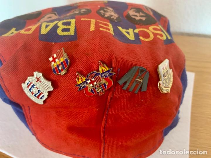 Coleccionismo deportivo: Gorra y pins antiguos futbol club Barcelona - Foto 2 - 211497071