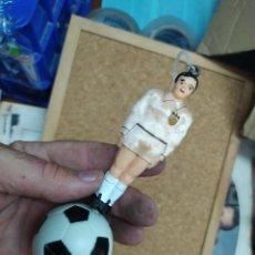 Coleccionismo deportivo: AMBIENTADOR DE COCHE DEL VALENCIA C. F. CAJA 4. Lote 213098668