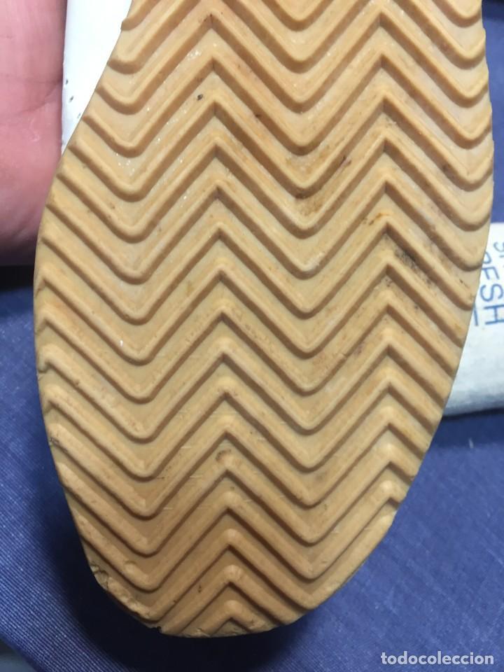 Coleccionismo deportivo: raras zapatillas firma emerson emmo fittipaldi arco puma made in brasil formula 1 11x29x10cms - Foto 13 - 213450073