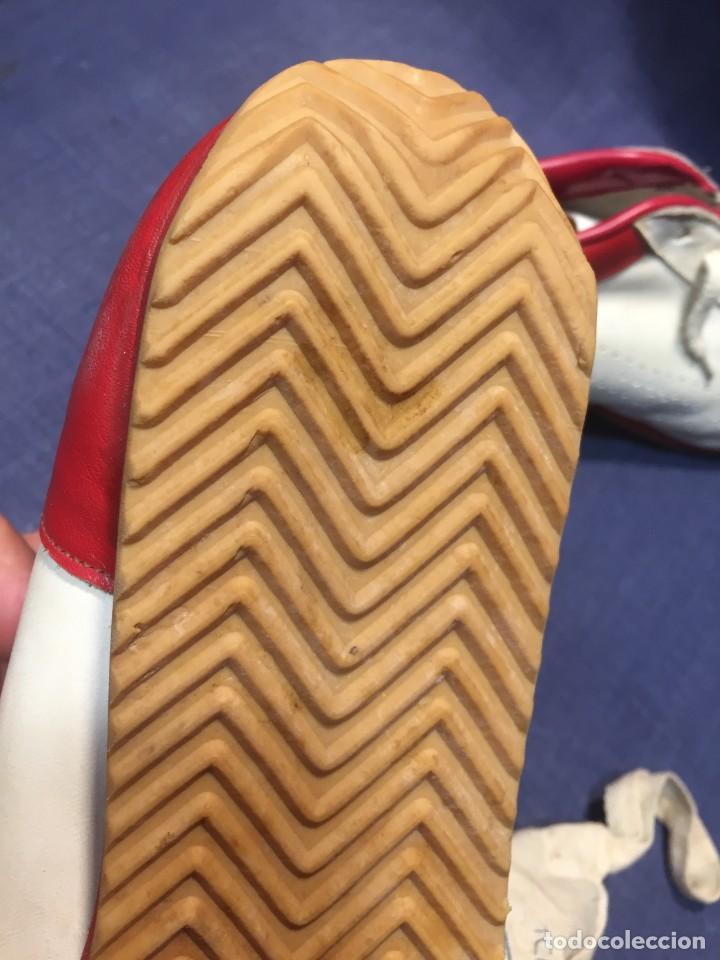 Coleccionismo deportivo: raras zapatillas firma emerson emmo fittipaldi arco puma made in brasil formula 1 11x29x10cms - Foto 15 - 213450073