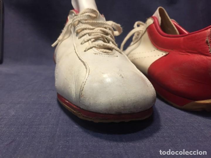 Coleccionismo deportivo: raras zapatillas firma emerson emmo fittipaldi arco puma made in brasil formula 1 11x29x10cms - Foto 24 - 213450073