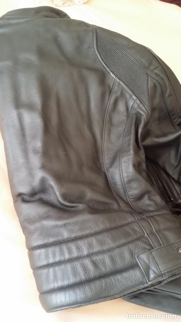 Coleccionismo deportivo: Chaqueta y pantalón MOTO DAINESE - cuero - Foto 9 - 218976882