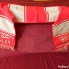 Coleccionismo deportivo: BUFANDA DEL ATHLETIC CLUB BILBAO. CON ETIQUETA PRODUCTO OFICIAL. Lote 250291940