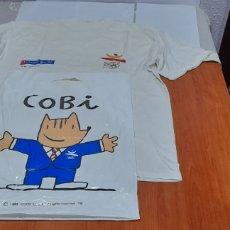 Coleccionismo deportivo: CAMISETA OLIMPÍADAS BARCELONA 92 Y BOLSA COBI . VER FOTOS.. Lote 252215915