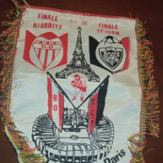 Coleccionismo deportivo: PARIS FINALE BIARRITZ TOULON RUGBY PENNANT BANDERÍN FINAL. Lote 257754675