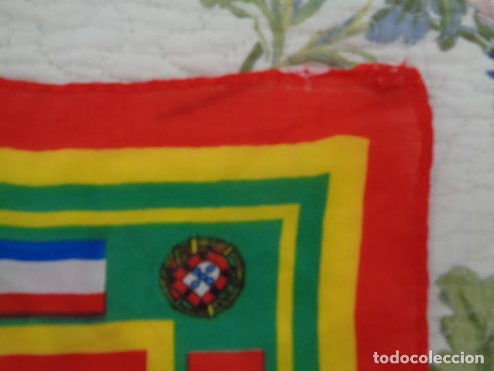 Coleccionismo deportivo: Pañoleta Portugal - Foto 2 - 260410660
