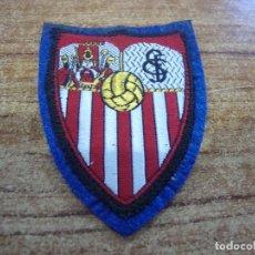 Coleccionismo deportivo: PARCHE BORDADO ESCUDO SEVILLA. Lote 267705114