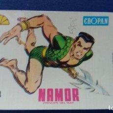Coleccionismo Cromos antiguos: CROPAN CROMO PLASTICO ALBUM SUPER HEROES MARVEL NUMERO 64 NAMOR SERIE CAPA PROTECTORA BASTANTE NUEVO. Lote 100228187