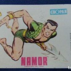 Coleccionismo Cromos antiguos: CROPAN CROMO PLASTICO ALBUM SUPER HEROES MARVEL NUMERO 64 NAMOR SERIE CAPA PROTECTORA. Lote 100229079