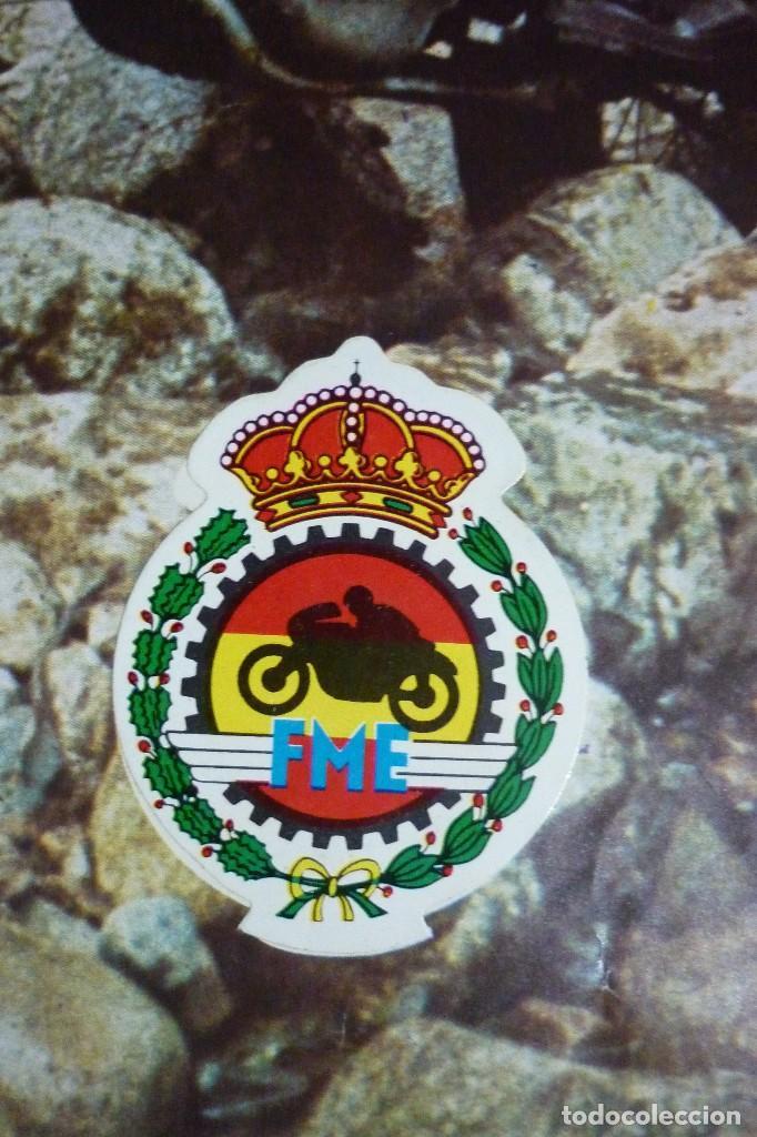 Coleccionismo Cromos antiguos: POSTER Y LOS DOS ESCUDOS DE FEDERACION MOTOS ESPAÑOLA E INTERNACIONAL. EL MUNDO DE LAS MOTOS - Foto 3 - 103112955