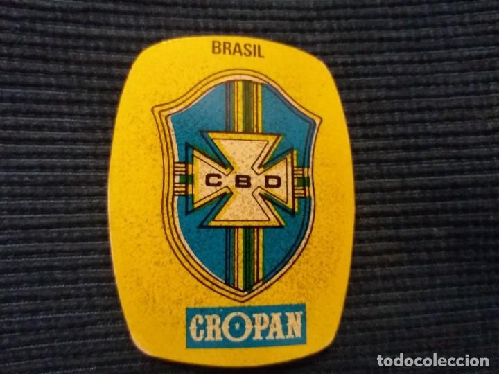 CROPAN ESCUDO SELECCION BRASIL ERROR IMPRESION MOVIDO JUEGA LOS MUNDIALES 82 (Coleccionismo - Cromos y Álbumes - Cromos Antiguos)
