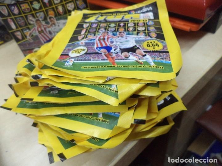 Coleccionismo Cromos antiguos: Lote de 34 sobres sin abrir Liga de fútbol 2012 - 2013.Colecciones Este Panini.Oficial liga BBVA. - Foto 2 - 165528006