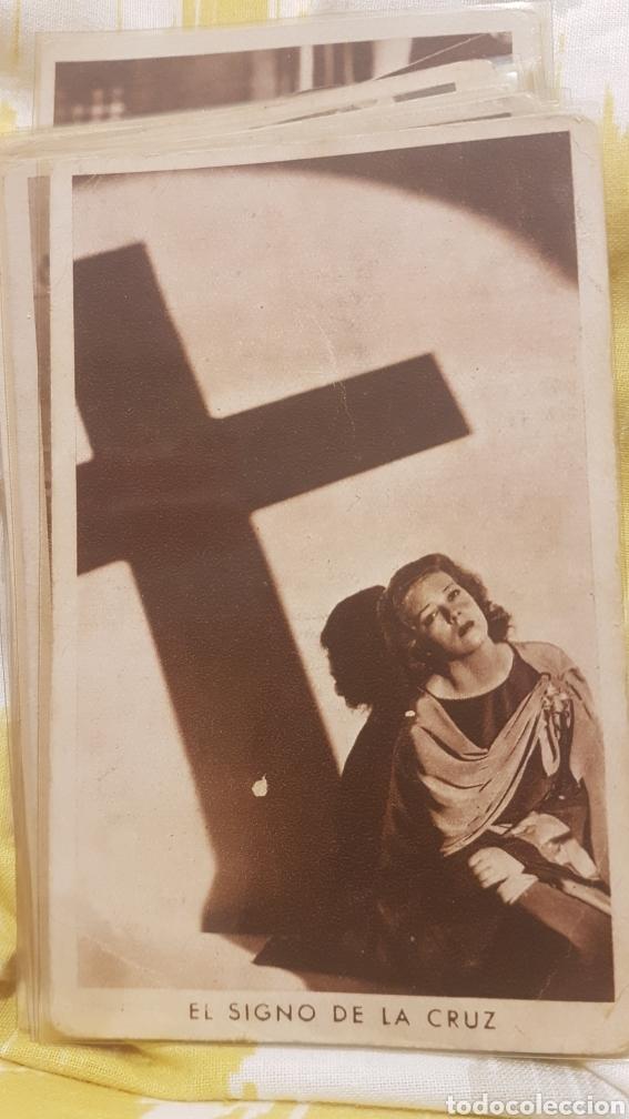 Coleccionismo Cromos antiguos: 2 colecciones completas de 21 cromos cada una EL SIGNO DE LA CRUZ AÑO 1933 - Foto 3 - 195340842