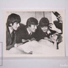Coleccionismo Cromos antiguos: CROMO THE BEATLES EN FOTOS - NÚMERO 93 - BRUGUERA, 1966 - FOTOCROMO. Lote 197738325
