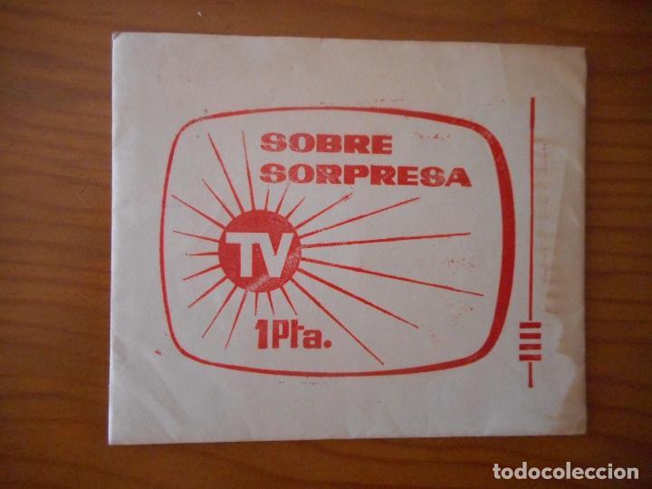 Coleccionismo Cromos antiguos: Sobre Sorpresa TV. 84 cromos colección FHER Banderas y Escudos del Mundo. No pegados, nuevos - Foto 2 - 208081238