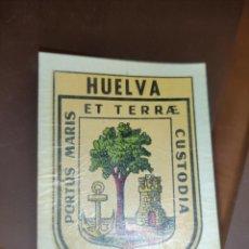 Coleccionismo Cromos antiguos: PEGATINA CROMO CALCOMANÍA AÑOS 70 NUEVA RESTO TIENDA ESCUDO CIUDAD DE HUELVA. Lote 271700918