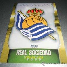 Cromos de Fútbol: 553 ESCUDO ALINEACION REAL SOCIEDAD CROMOS ALBUM MUNDICROMO LIGA FUTBOL 2008 2009 08 09. Lote 40393247