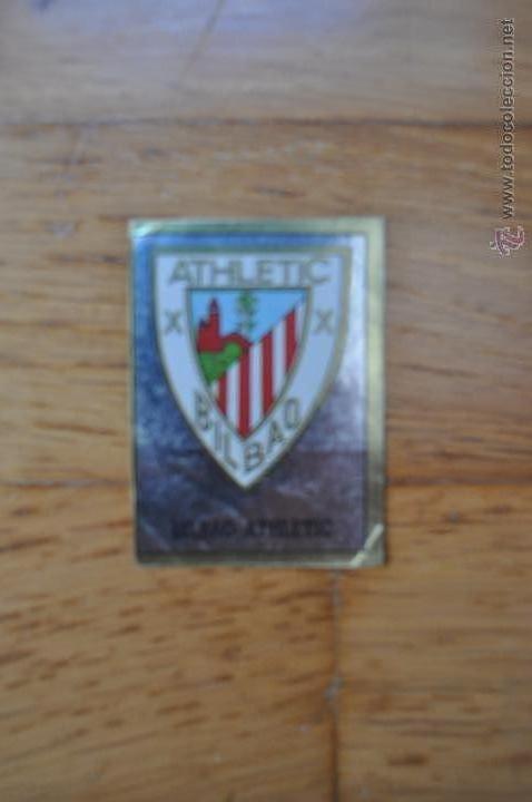 ESCUDO BILBAO ATHLETIC Y CROMO DE EQUIPO. TEMP. 89/90 PANINI. (Coleccionismo Deportivo - Álbumes y Cromos de Deportes - Cromos de Fútbol)