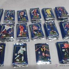 Cromos de Fútbol: LOTAZO DE 150 SOBRES DE CROMOS FICHA MUNDICROMO SPORT TOP LIGA 2002. Lote 171455314