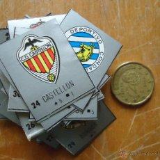 Cromos de Fútbol: CROMO REVISTA FUTBOL ESCUDO 3,5 X 2,6 - CLUB 1ª DIVISION 50 AÑOS DE LIGA - CASTELLON. Lote 54801390