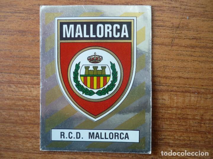 CROMO FUTBOL 88 PANINI Nº 215 ESCUDO (MALLORCA) - SIN PEGAR - LIGA 1988 (Coleccionismo Deportivo - Álbumes y Cromos de Deportes - Cromos de Fútbol)