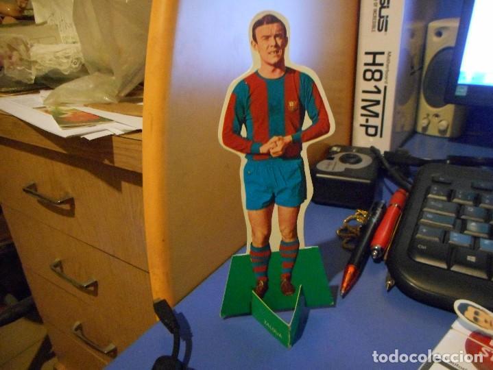 CURIOSO CROMO TROQUELADO FUTBOL FHER 1969 ZALDUA FC BARCELONA (Coleccionismo Deportivo - Álbumes y Cromos de Deportes - Cromos de Fútbol)