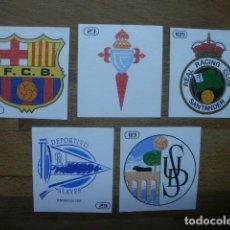 Cromos de Fútbol: BOLLYCAO LIGA 98-99 CROMO NUEVO NUNCA PEGADO ESCUDO BARCELONA. Lote 105811139