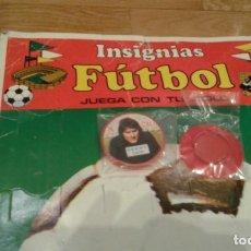 Cromos de Fútbol: CELTA DE VIGO FENOY INSIGNIA AÑOS 70 JUEGA CON TU IDOLO . Lote 146496982
