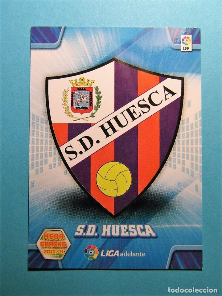 MEGACRACKS 2010 2011 10 11 ESCUDO HUESCA 427 (Coleccionismo Deportivo - Álbumes y Cromos de Deportes - Cromos de Fútbol)