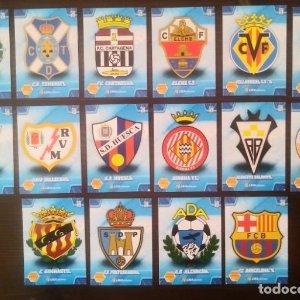 Lote 16 cromos Escudos segunda división Liga 2010 2011 10 11 Mega cracks Panini Megacracks