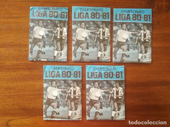 5 SOBRES DE COLOR AZUL SIN ABRIR ESTE CAMPEONATO LIGA 80/81 1980/81 FUTBOL (Coleccionismo Deportivo - Álbumes y Cromos de Deportes - Cromos de Fútbol)