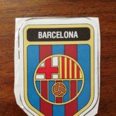 Cromos de Fútbol: ESCUDO ( F. C. BARCELONA ) NÚMERO 43 PANINI FUTBOL 82 81/82 1981/82 RECORTADO. Lote 172697395