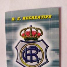 Cromos de Fútbol: RECREATIVO DE HUELVA 420 ESCUDO SEGUNDA DIVISIÓN MEGACRACKS 2004/2005 PANINI. Lote 245157755