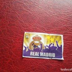 Cromos de Fútbol: ESCUDO REAL MADRID CHICLE LIGA 11 12 CROMO FUTBOL 2011 2012 - SIN PEGAR -. Lote 176272455