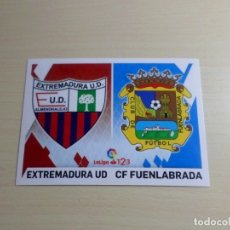 Cromos de Fútbol: LIGA ESTE 2019 2020 19 20 PANINI ESCUDOS Nº 4 EXTREMADURA FUENLABRADA CROMO ALBUM FÚTBOL. Lote 178320320
