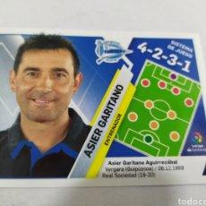 Cromos de Fútbol: ASIER GARITANO NÚMERO 3 ALAVÉS ENTRENADOR LIGA ESTE 2019 2020 PANINI. Lote 180207575