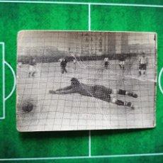Cromos de Fútbol: CROMO FOTOGRAFÍA FÚTBOL CHOCOLATES OSTARIZ ESCENAS INTERESANTES DE FOOT BALL 1922 Nº 3. Lote 186110347