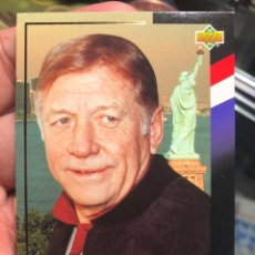 Cromos de Fútbol: TARJETA DE UPPER DECK MUNDIAL ESTADOS UNIDOS 1994 HONORARY CAPTAIN MICKEY MANTLE NEW YORK YANKEE. Lote 195155721