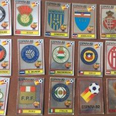 Cromos de Fútbol: PANINI ESPAÑA 82 LOTE DE 15 BRILLANTES ESCUDOS. Lote 195530763
