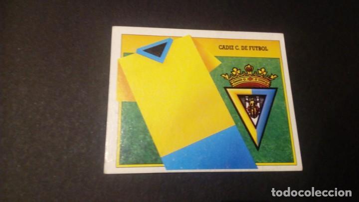 ESCUDO CADIZ FORMATO CARTON LEER EDICIONES ESTE LIGA TEMPORADA 91 92 1991 1992 (Coleccionismo Deportivo - Álbumes y Cromos de Deportes - Cromos de Fútbol)