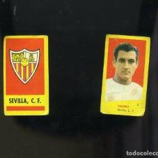 Cromos de Fútbol: CAMPEONES 1961. 2 CROMOS NUNCA PEGADOS DEL SEVILLA: ESCUDO DEL EQUIPO Y VALERO. Lote 205826651
