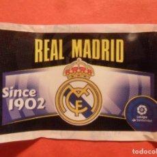 Cromos de Fútbol: CHICLE ESTE 2020 2021 - ESCUDO - REAL MADRID - 20 21 - PANINI. Lote 218215928