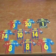 Cromos de Fútbol: FC BARCELONA 17 IMANES CAMISETAS MEGA FUTBOL INCLUYE MESSI. Lote 222126510
